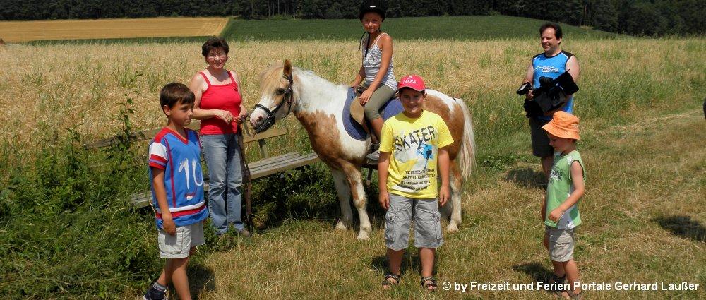 Reiterferien für Kinder am Bauernhof Bayern Reiten Mädchen Jugendliche