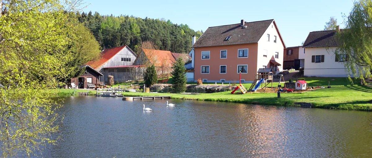 fischer-wenigrötz-ferienwohnungen-oberpfalz-ferienhaus-see-schwandorf